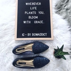 🌷• Navy Blue Sparkle Pointed Toe Loafers •